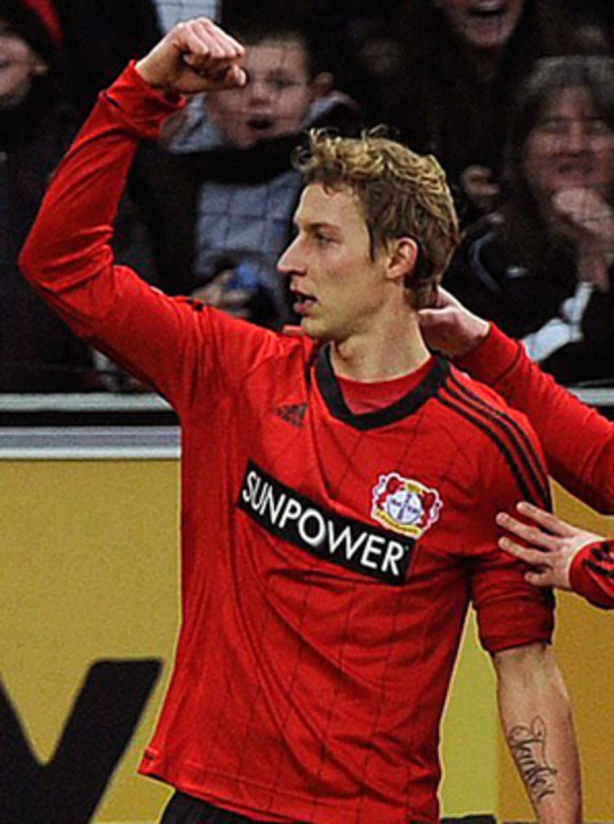 Stefan Kiessling victimized Hamburg goalkeeper Rene Adler for his 11th and 12th goals of the season.