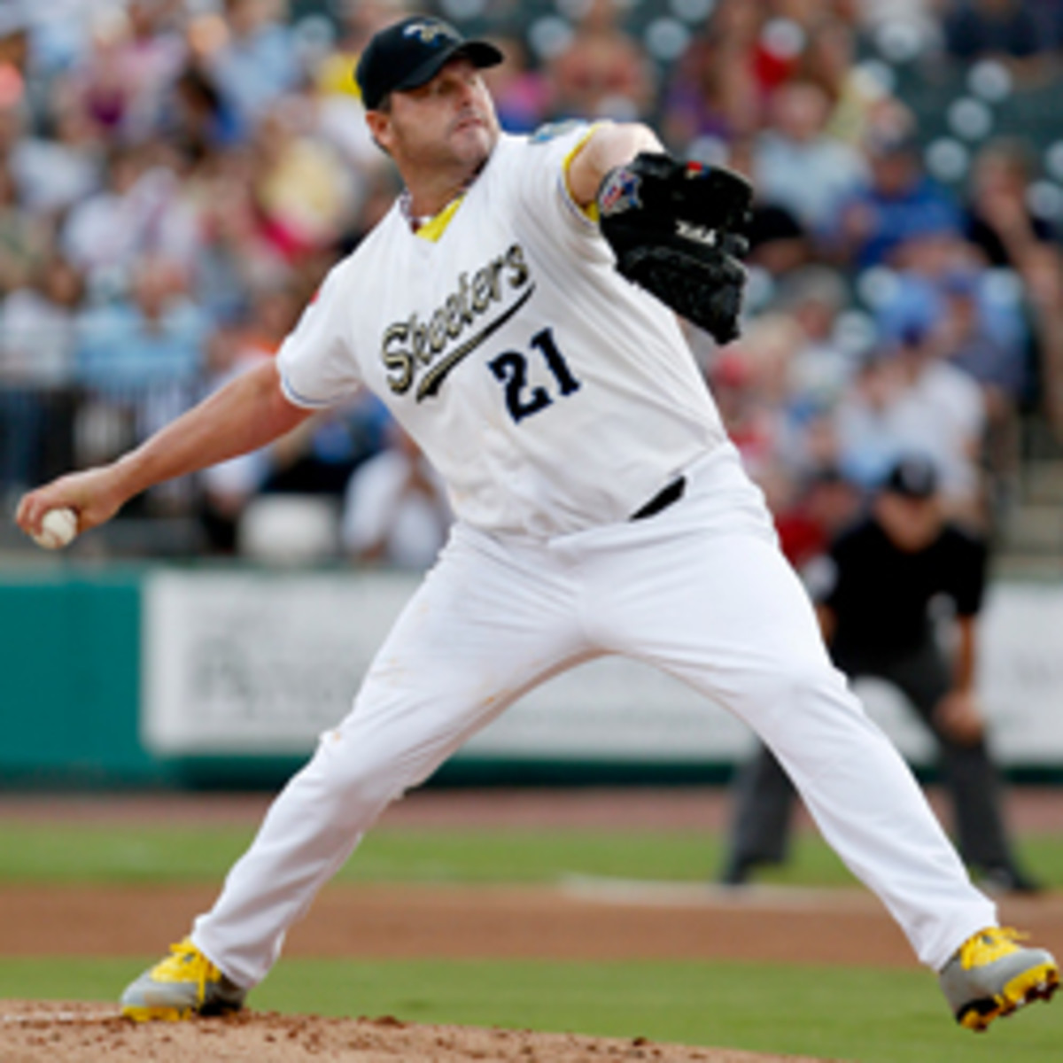 Roger-Clemens-Getty-T