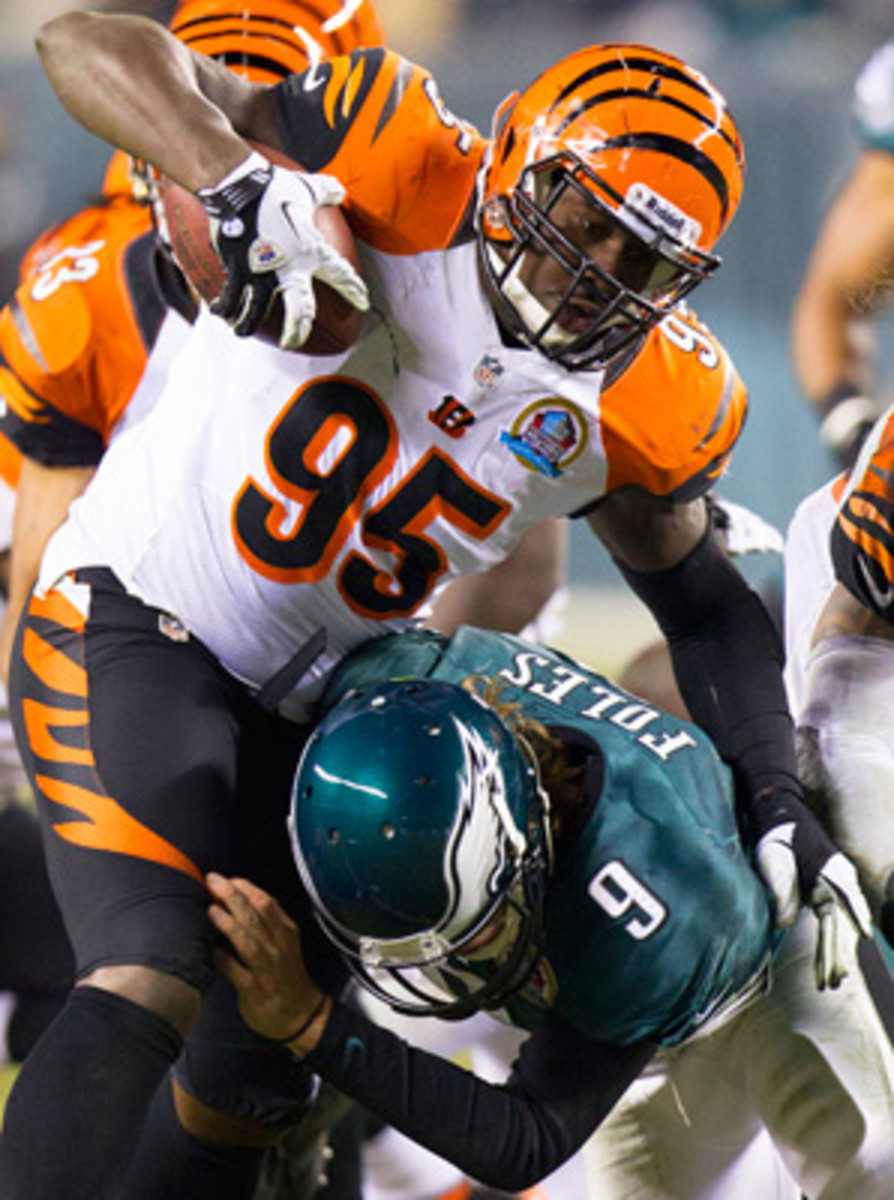 Bengals defensive end Wallace Gilberry ran a fumble, one of four by the Eagles, back for a touchdown. (Cal Sport Media)