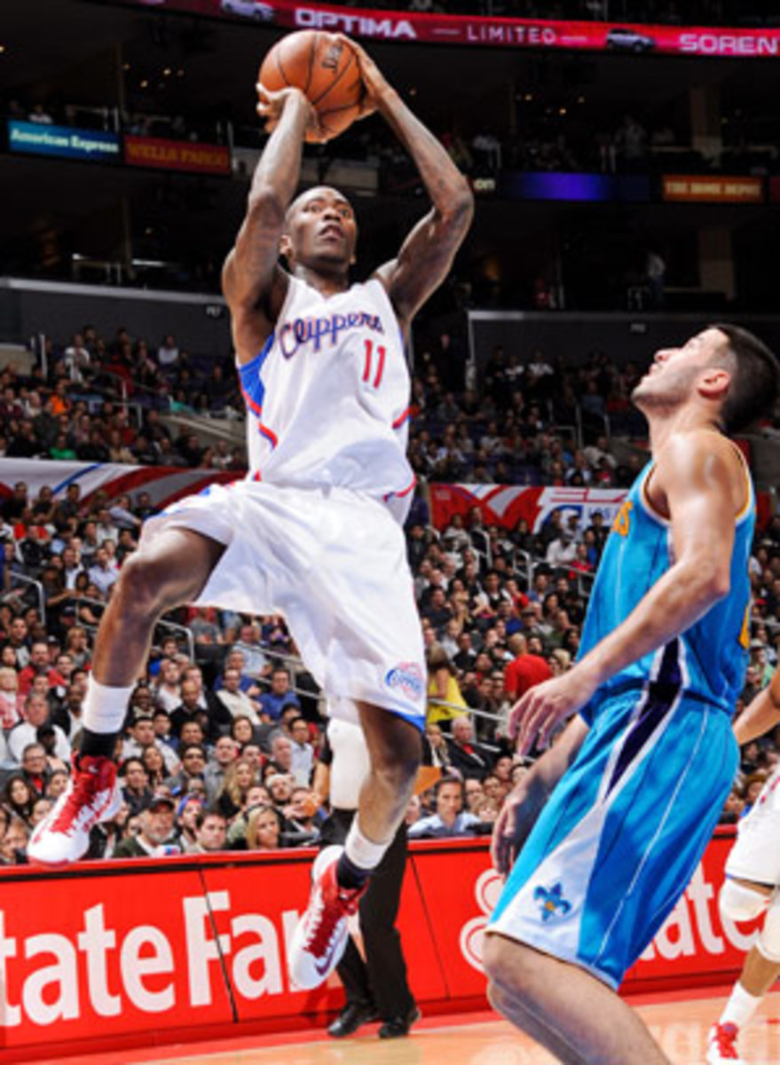 121220123418-jamal-crawford-clippers-bench-single-image-cut.jpg
