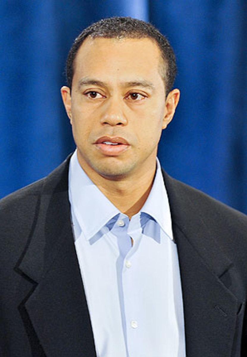 Tiger-Woods-Deford.jpg
