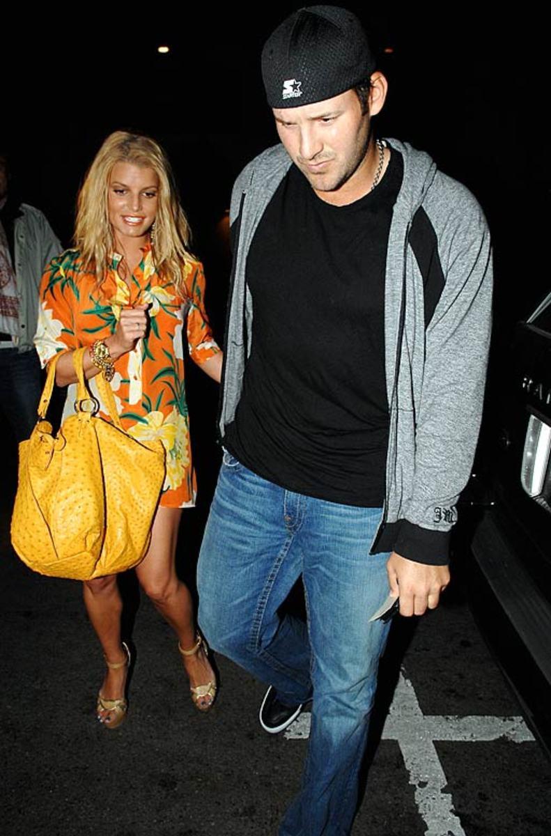 Tony Romo goes to Cabo with Jessica Simpson