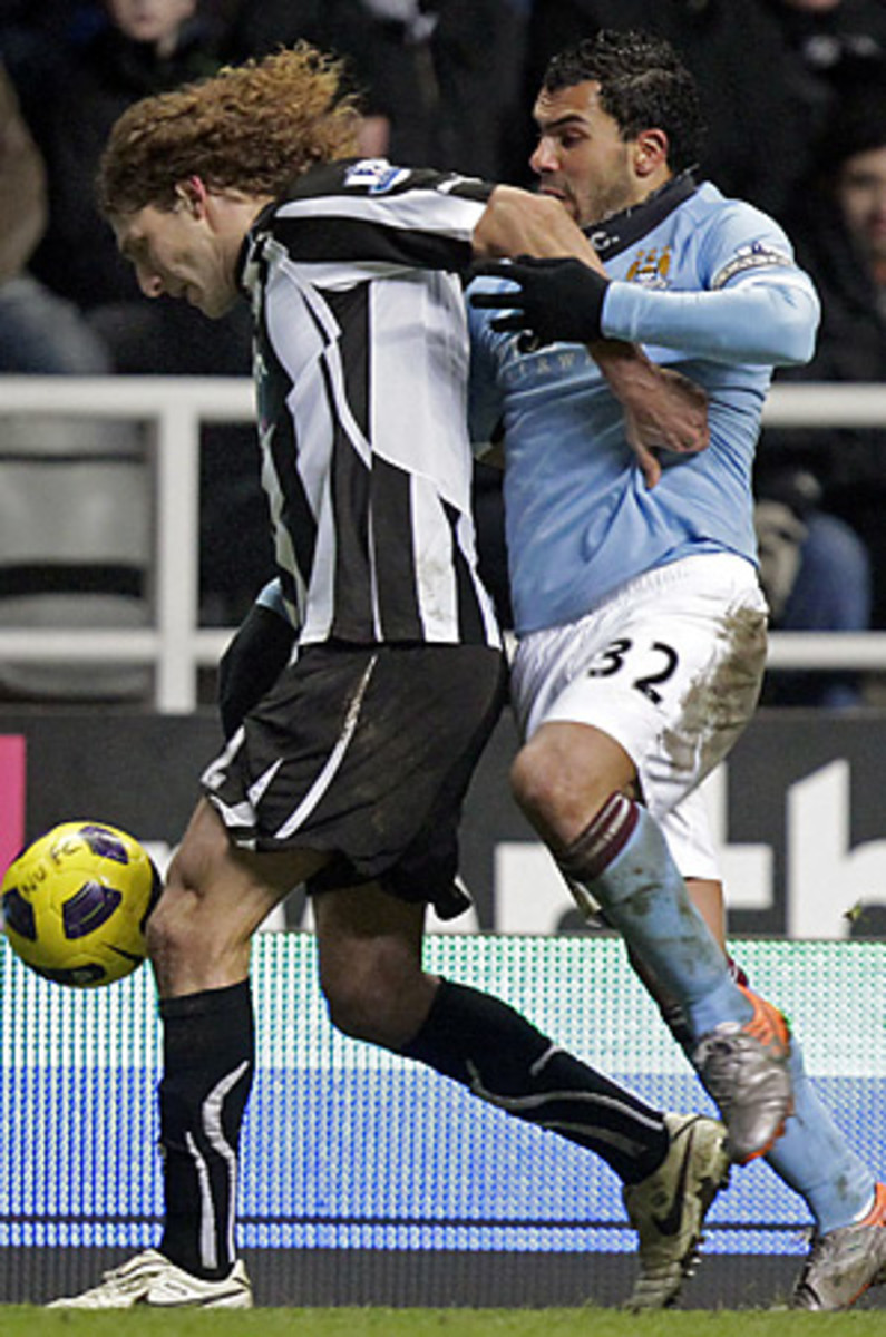 tevez-newcastle-298.jpg