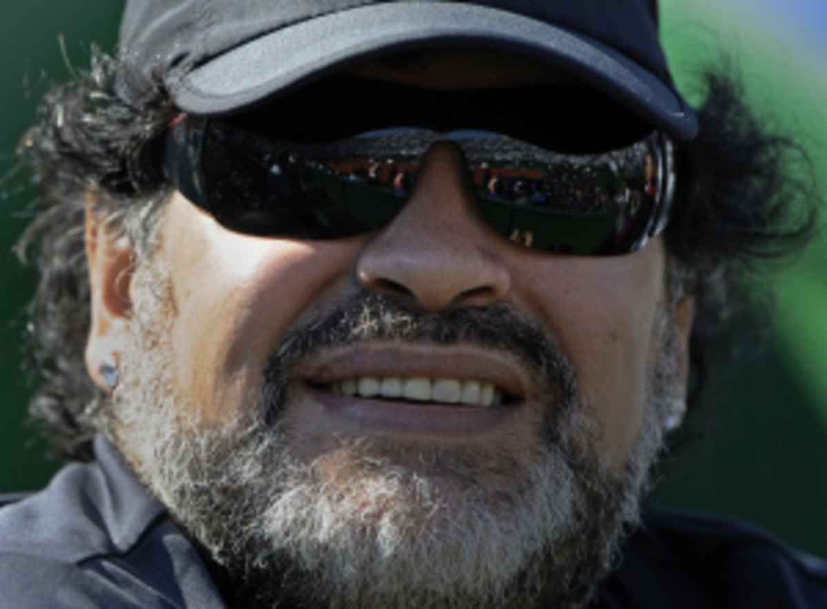 Diego Maradona is on the verge of becoming the Iraq national team soccer coach.