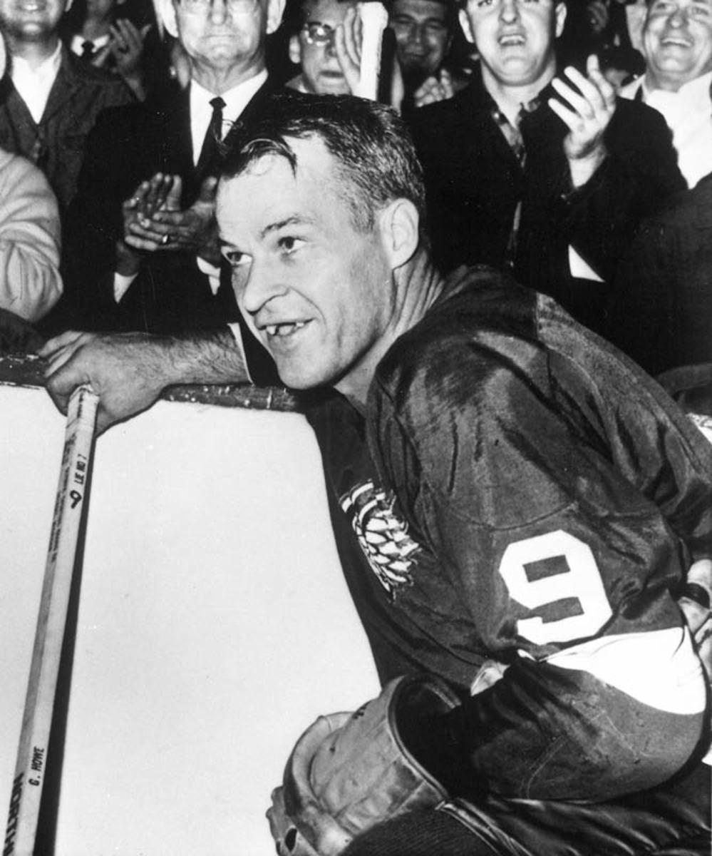"""Gordie """"Mr. Hockey"""" Howe"""