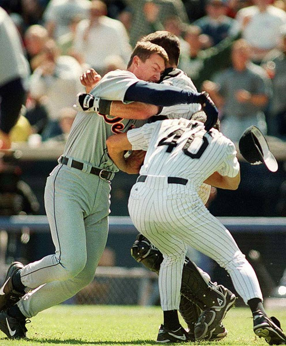 White Sox and Tigers brawl