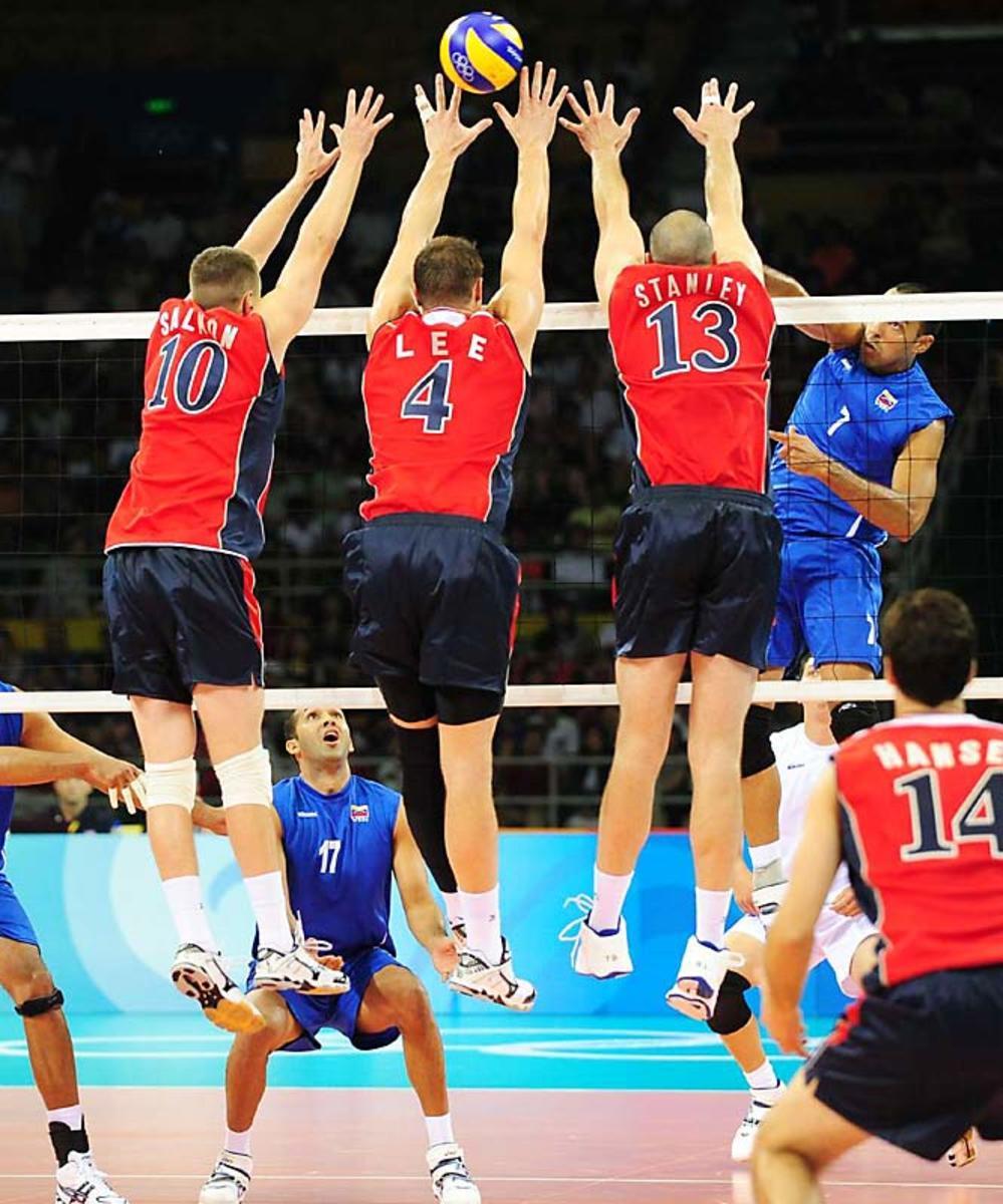 00.volley27893-mid.jpg