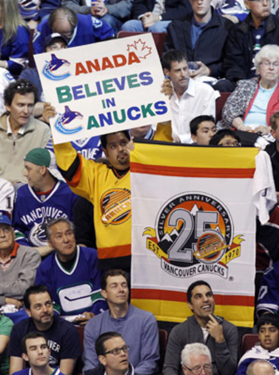 vancouver.fans.jpg