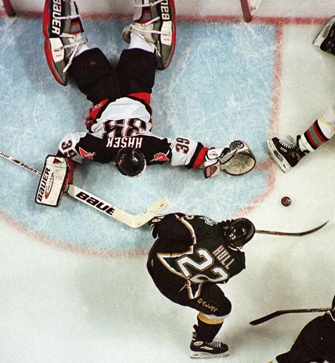Brett Hull's skate, 1999