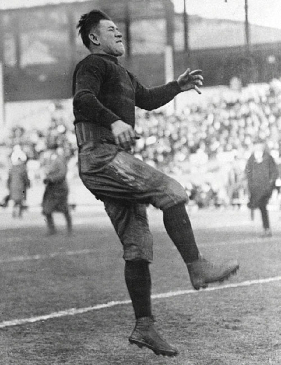 The IOC strips Jim Thorpe of his Olympic medals, 1912