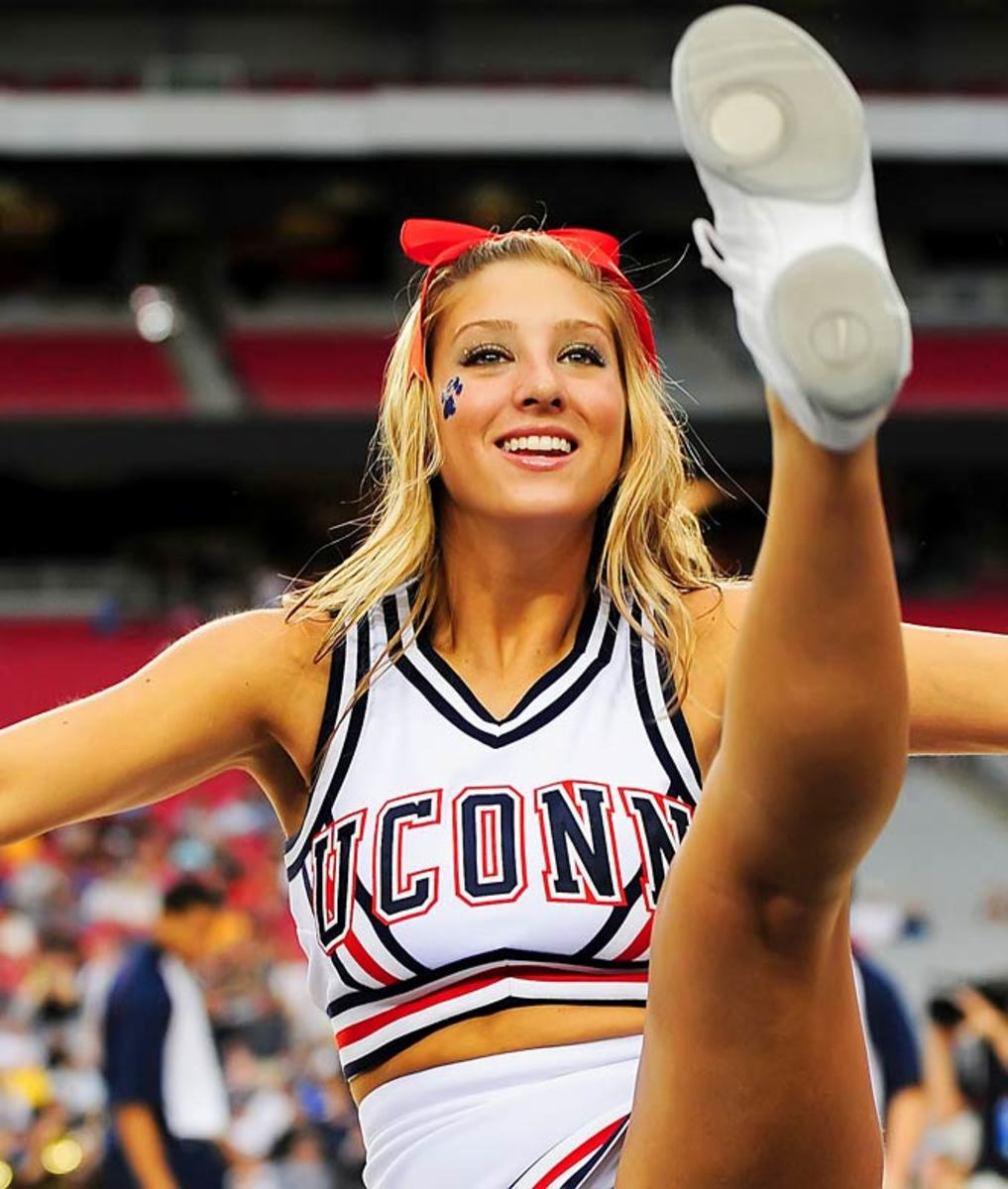 Thigpen named Sports Illustrated Cheerleader of the Week