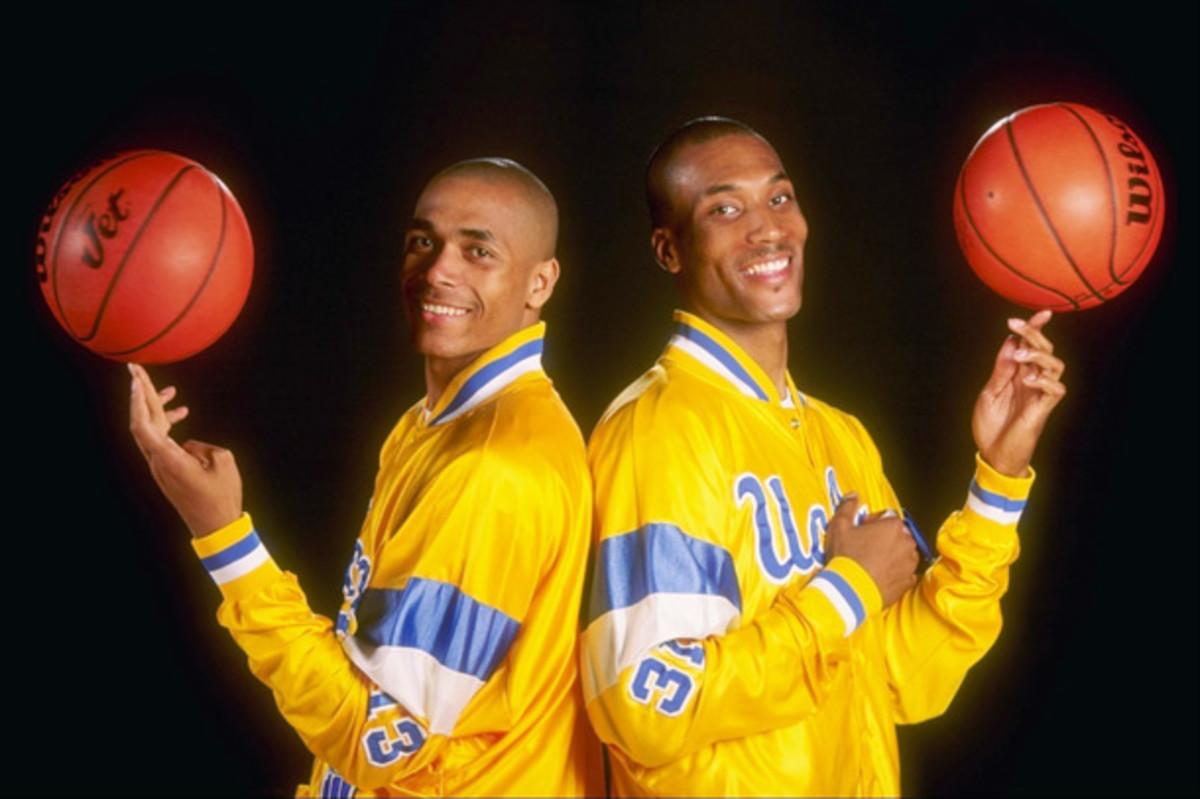 Ed and Charles O''Bannon at UCLA in 1995. (Al Bello/Allsport)