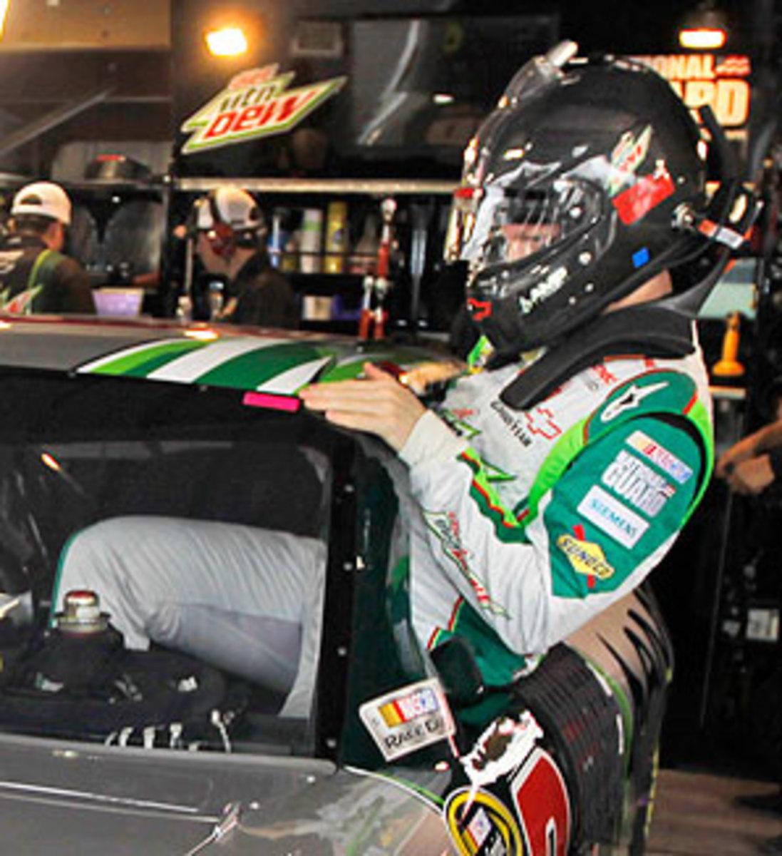 Dale-Earnhardt-Jr-Martinsville-1.jpg