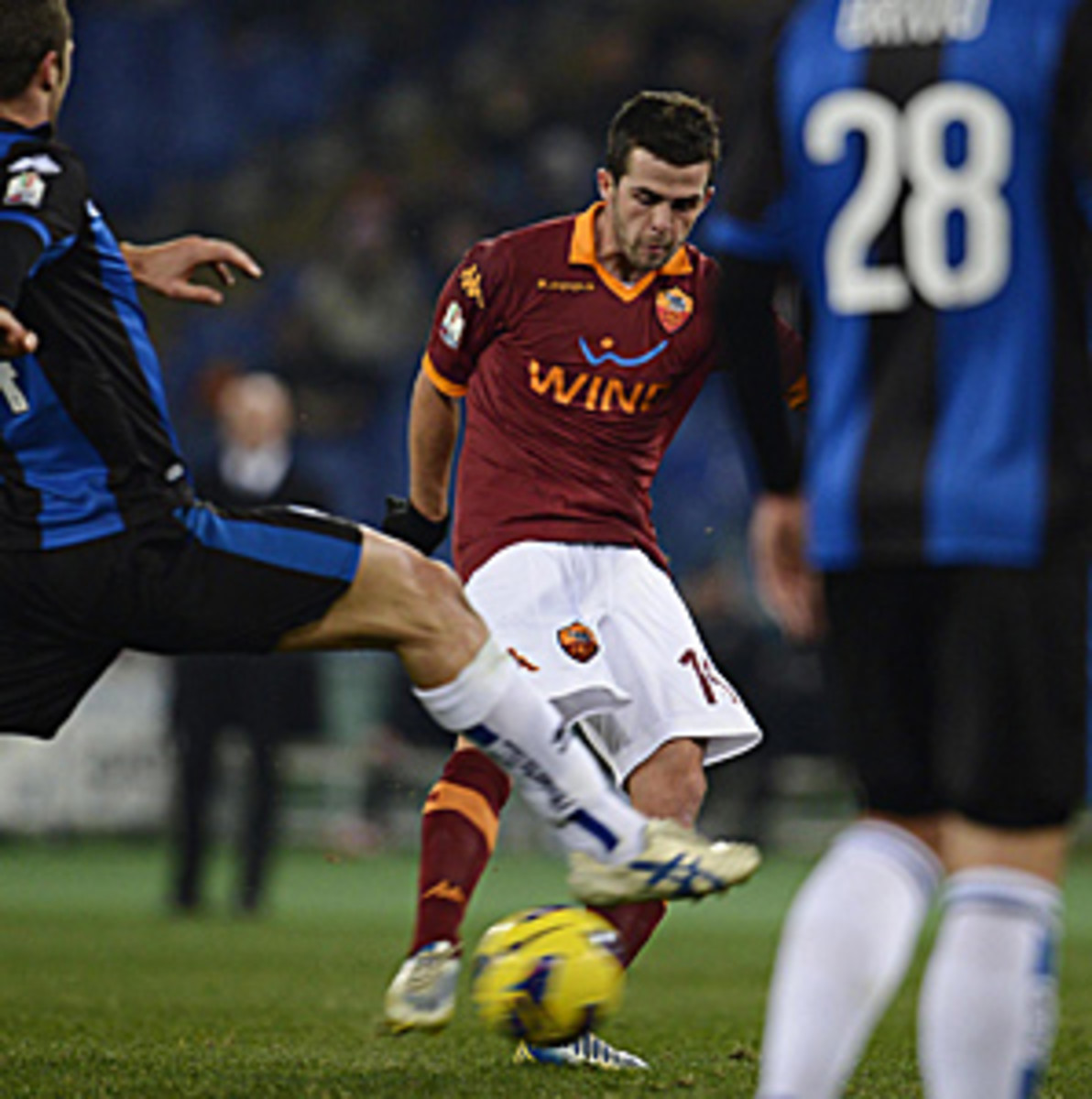 Miralem Pjanic (center) gave Roma the only goal it would need in the 20th minute.
