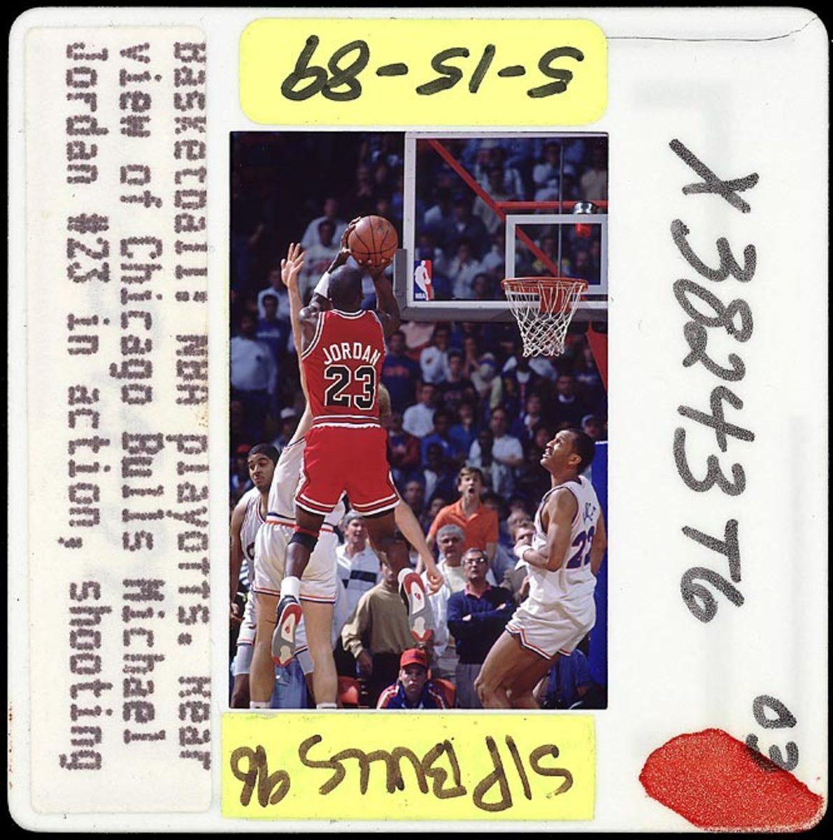 Michael Jordan Sinks Cavs