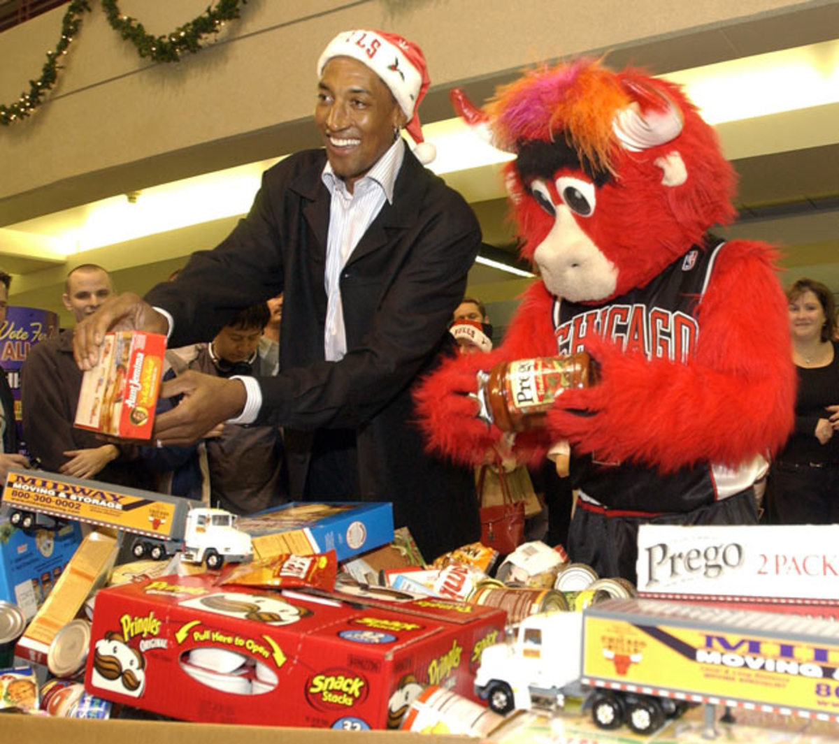 Scottie Pippen and Benny the Bull