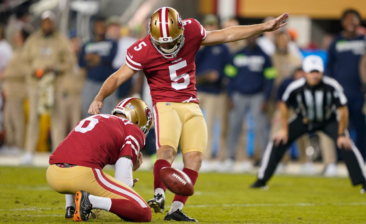 49ers' Chase McLaughlin attempts a field goal on Monday Night Football