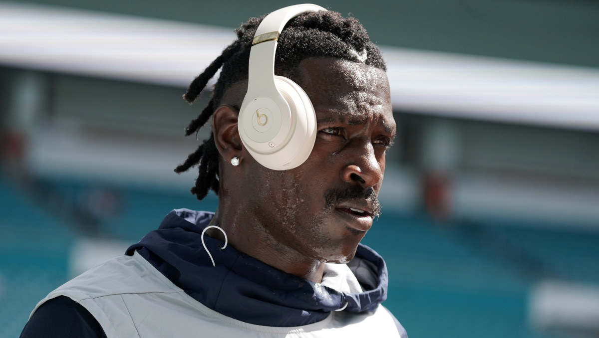Sep 15, 2019; Miami Gardens, FL, USA; New England Patriots wide receiver Antonio Brown before the game against the Miami Dolphins at Hard Rock Stadium. Mandatory Credit: Kirby Lee-USA TODAY Sports