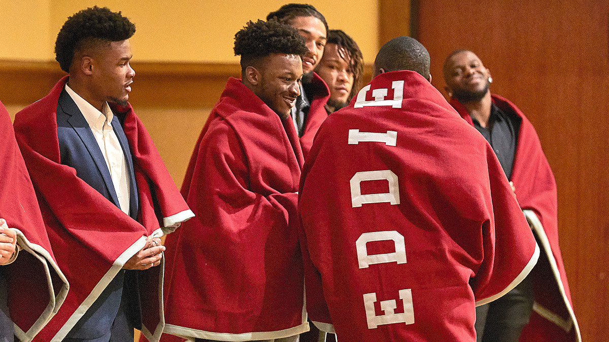 Reddies get blanketed in love one day before the Battle of the Ravine.