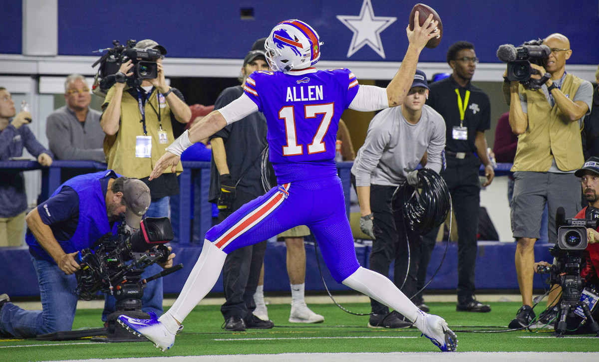 Allen iced Buffalo's win over Dallas with a 15-yard TD run in the third quarter.
