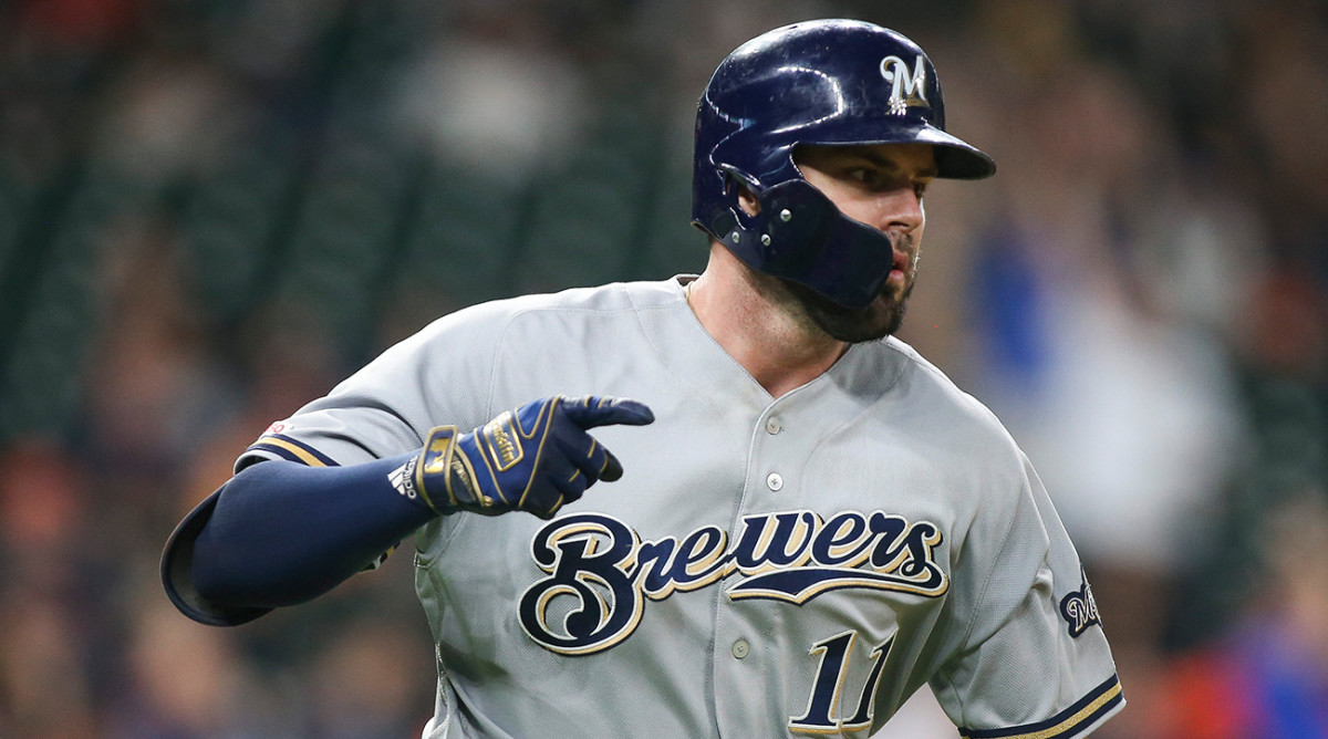Mike Moustakas Signs Reds