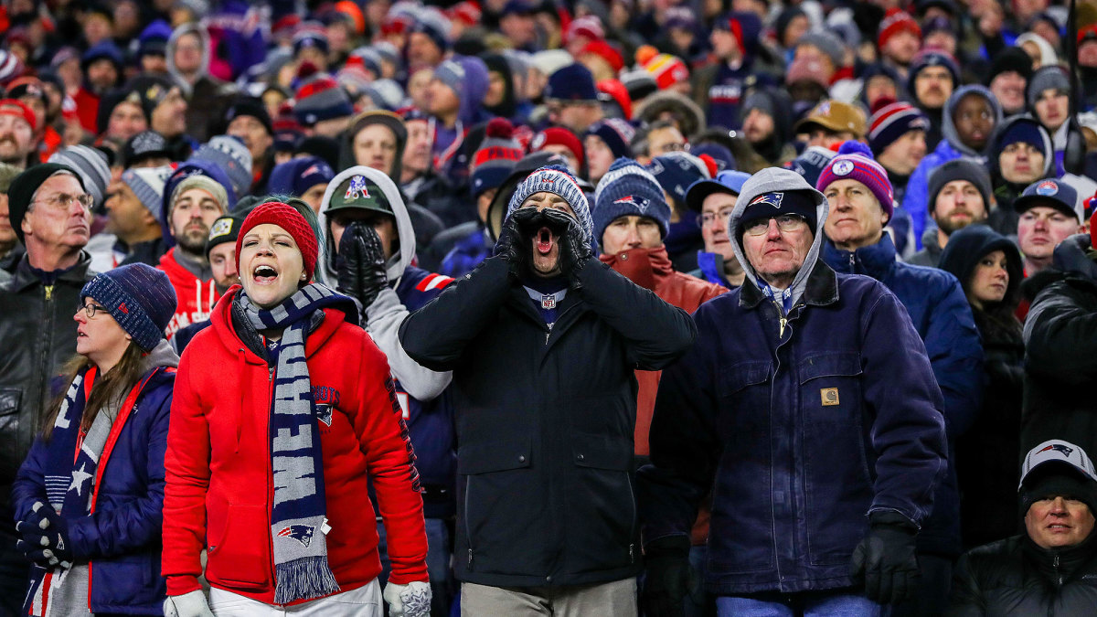 Patriots fans booing