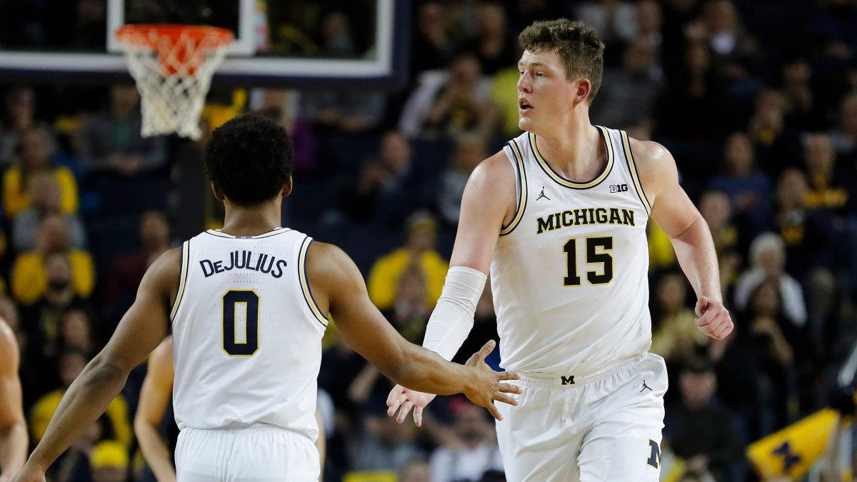 college-basketball-picks-michigan-vs-oregon