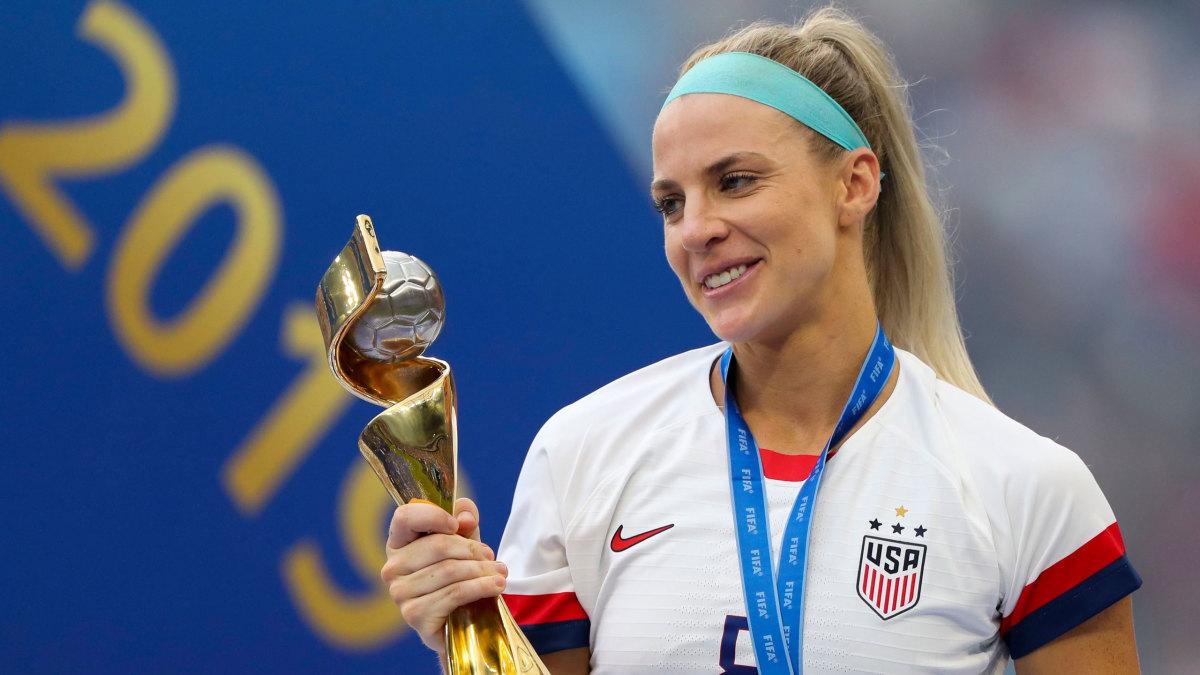 julie-ertz-world-cup-trophy