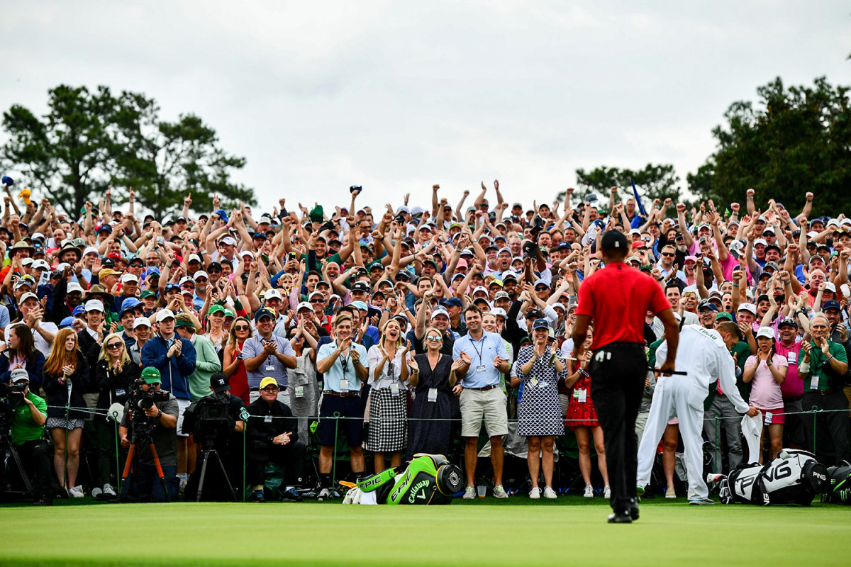 tiger-woods-masters-crowd