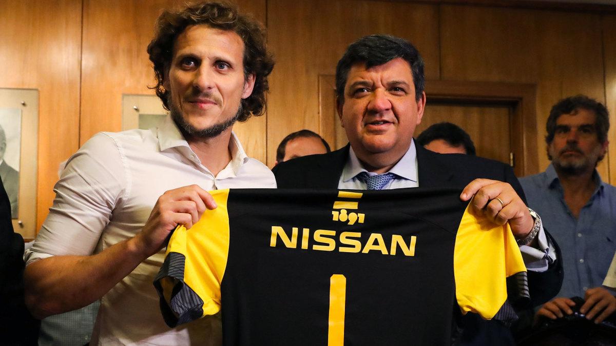 Diego Forlan is Penarol's new coach