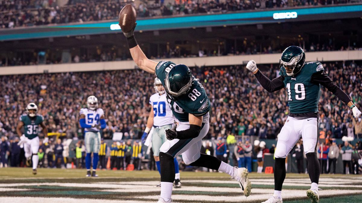 Dallas Goedert's six-yard TD reception put the Eagles up 10–0.