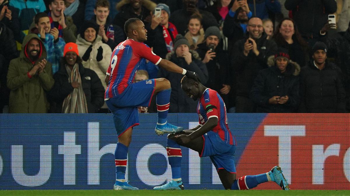 Jordan Ayew nets a stunner vs. West Ham