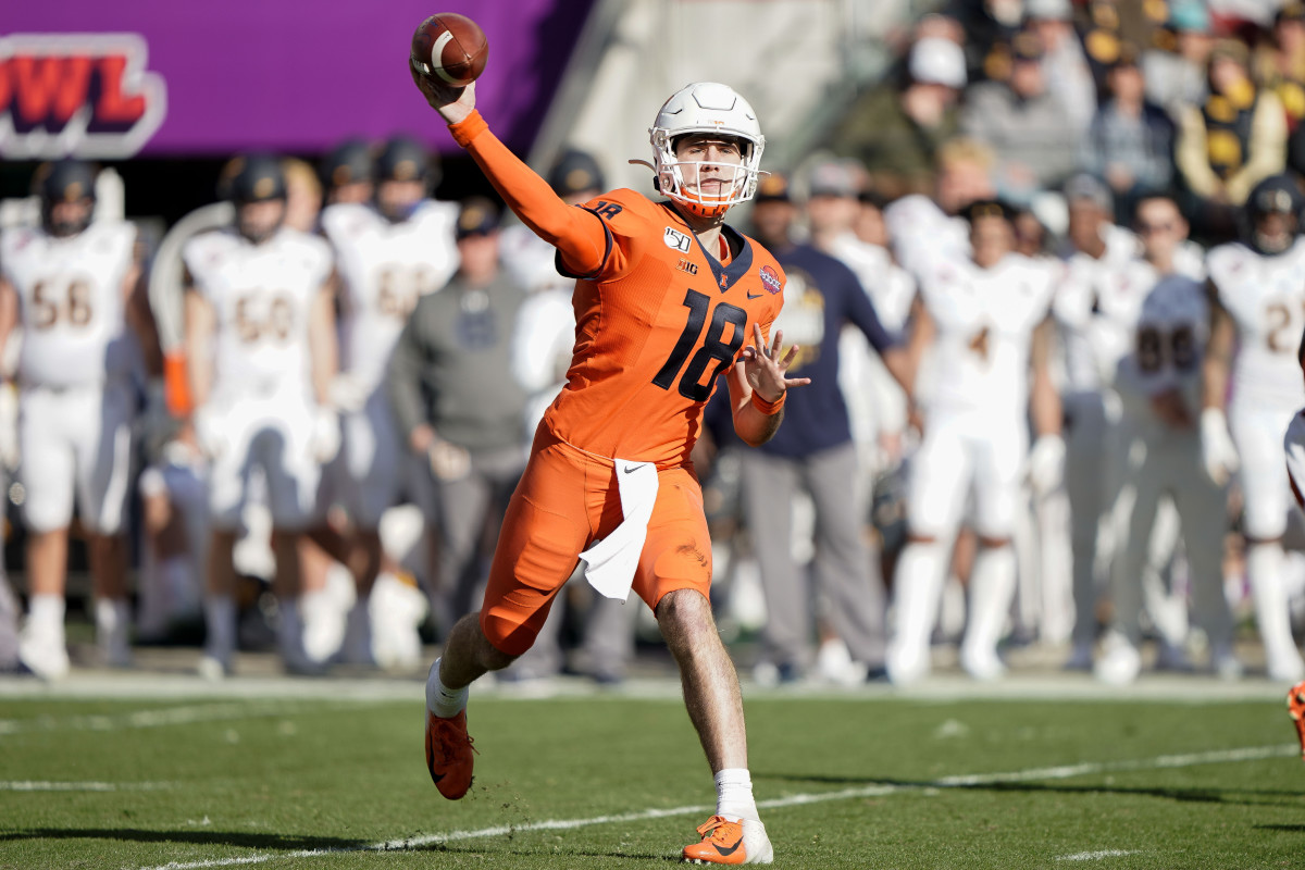 Brandon Peters finished with 341 total yards (273 passing, 68 rushing) and one touchdown in a 35-20 loss to California in the 2019 Redbox Bowl.