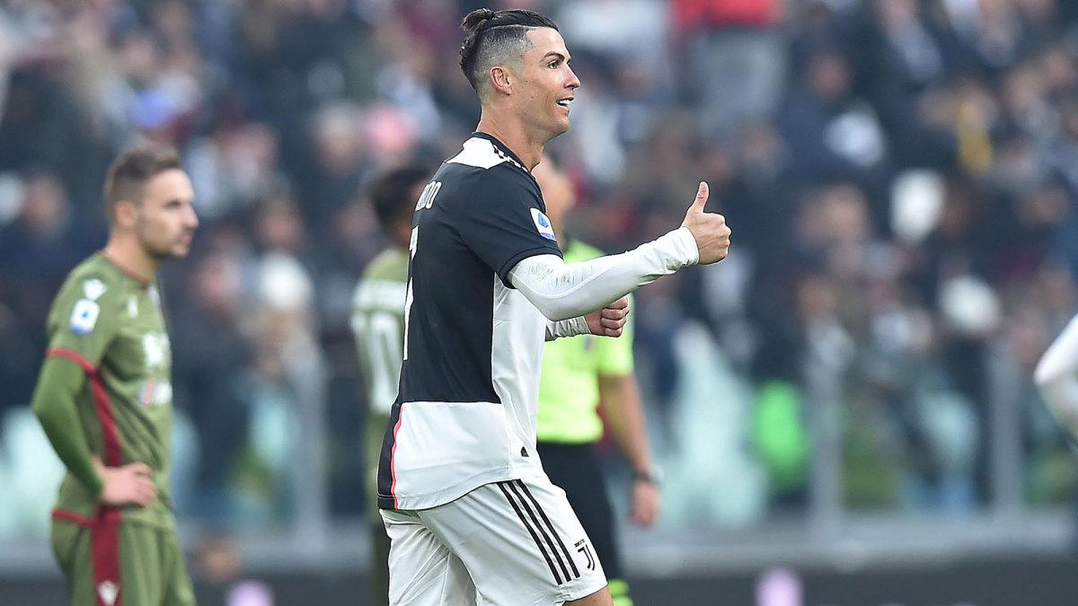 Cristiano Ronaldo Hat Trick Video Juventus Star Torches Cagliari