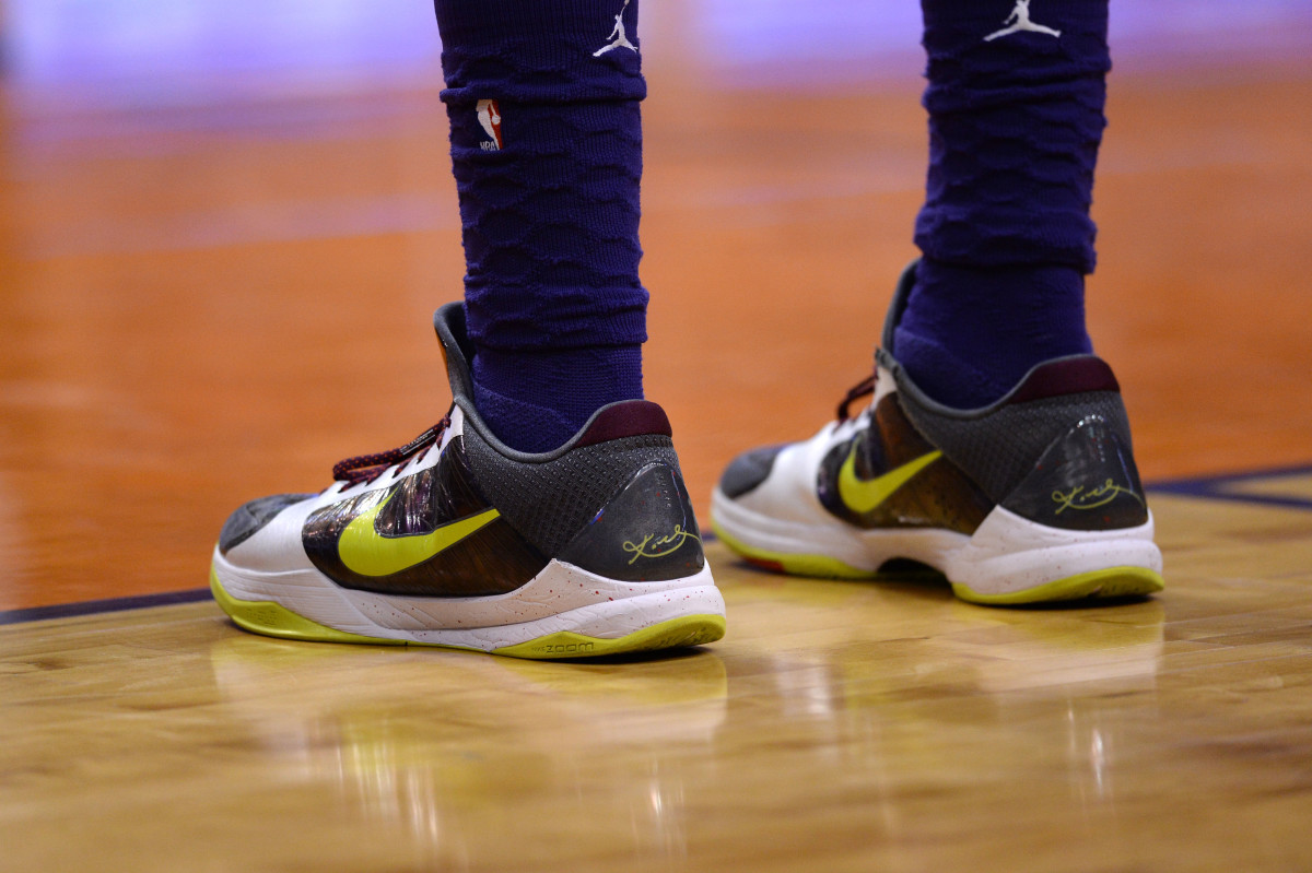 The Nike sneakers of Charlotte Hornets forward PJ Washington (25) during the first half against the Phoenix Suns at Talking Stick Resort Arena. Mandatory Credit: Joe Camporeale-USA TODAY Sports