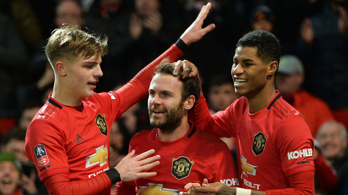 Juan Mata scores for Manchester United in the FA Cup