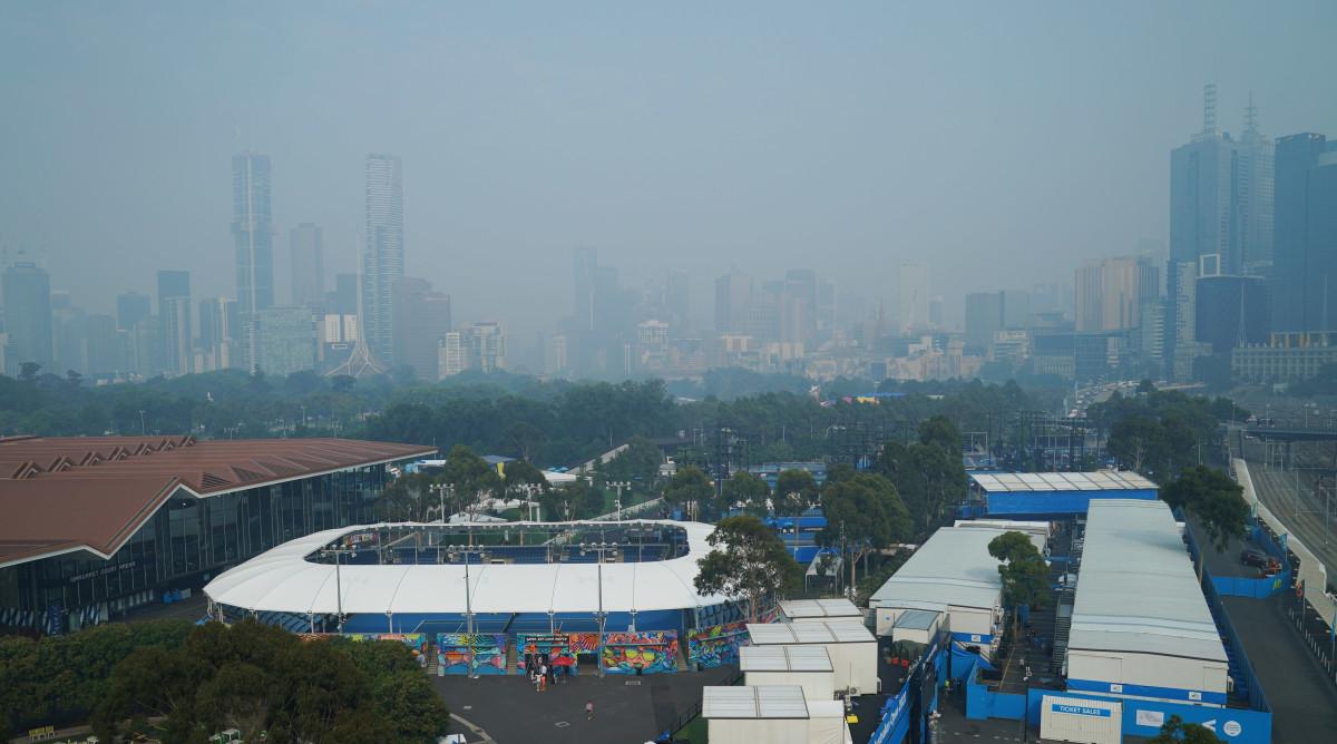 aus-open-skyline-haze-smoke-fires