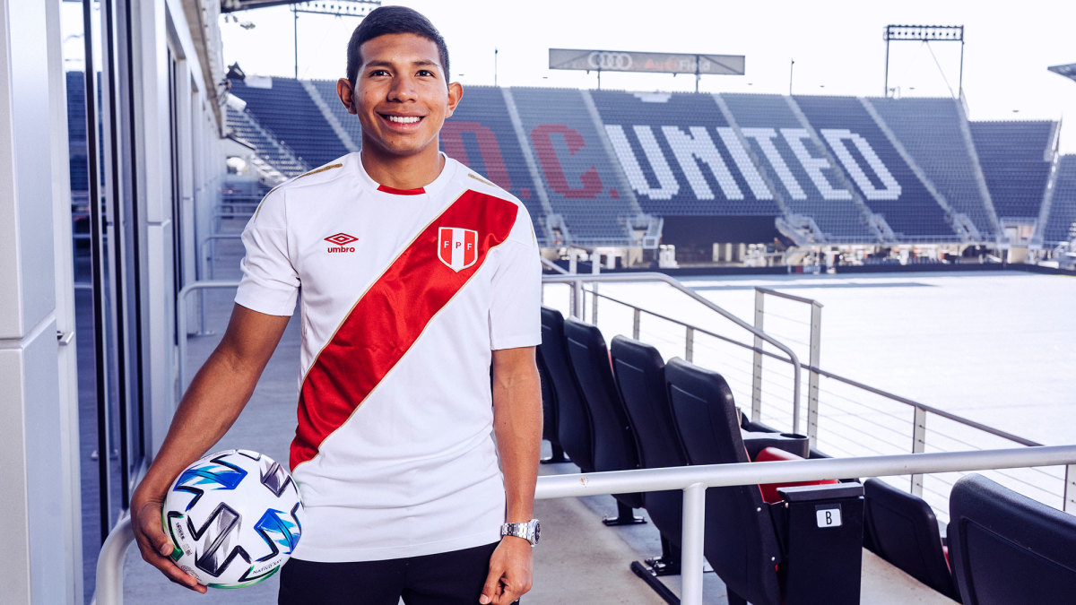 Edison Flores joins D.C. United from Morelia