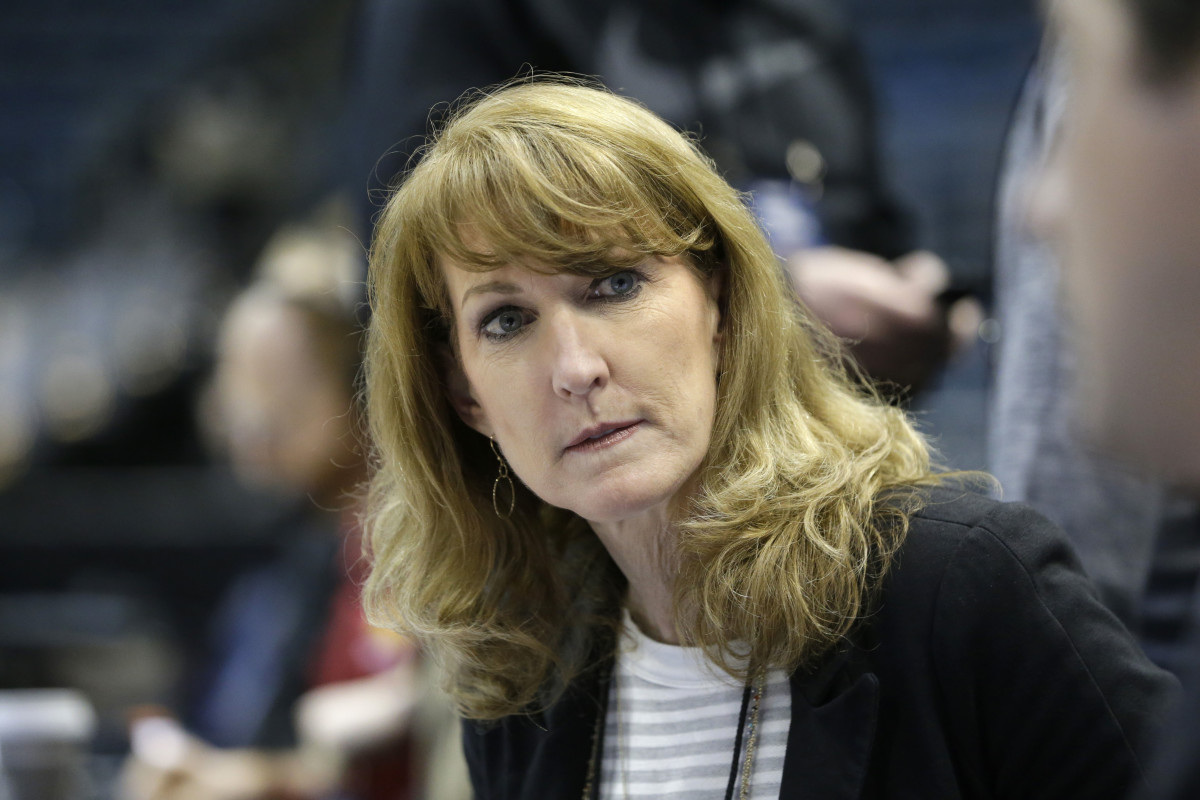 Women's basketball analyst Debbie Antonelli