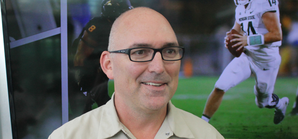 DE Coach Chuck Bullough  (PHOTO:  Duffy Carpenter)