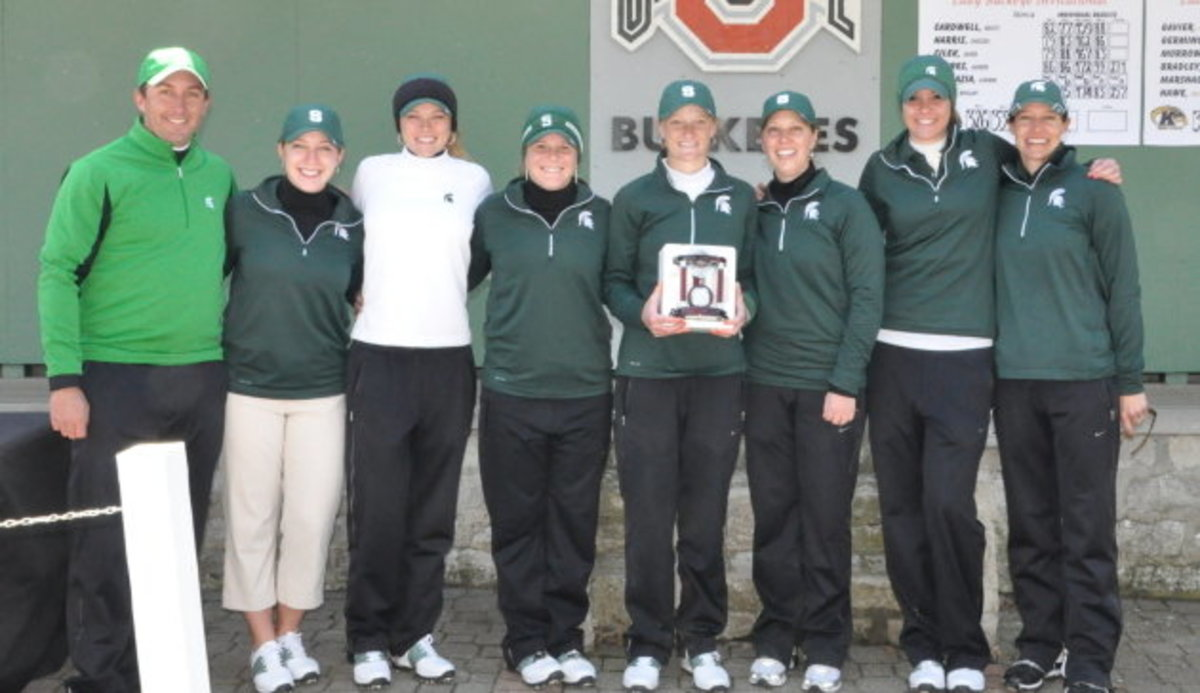 Sophomore Caroline Powers wins her first collegiate tournament to lead the Spartans to their first tournament victory of the season.  Photo courtesy of MSU SID.