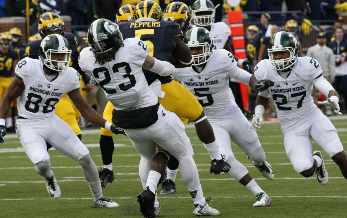MSU with the big stop vs. UM 2015.  Photo courtesy of Starr Portice.