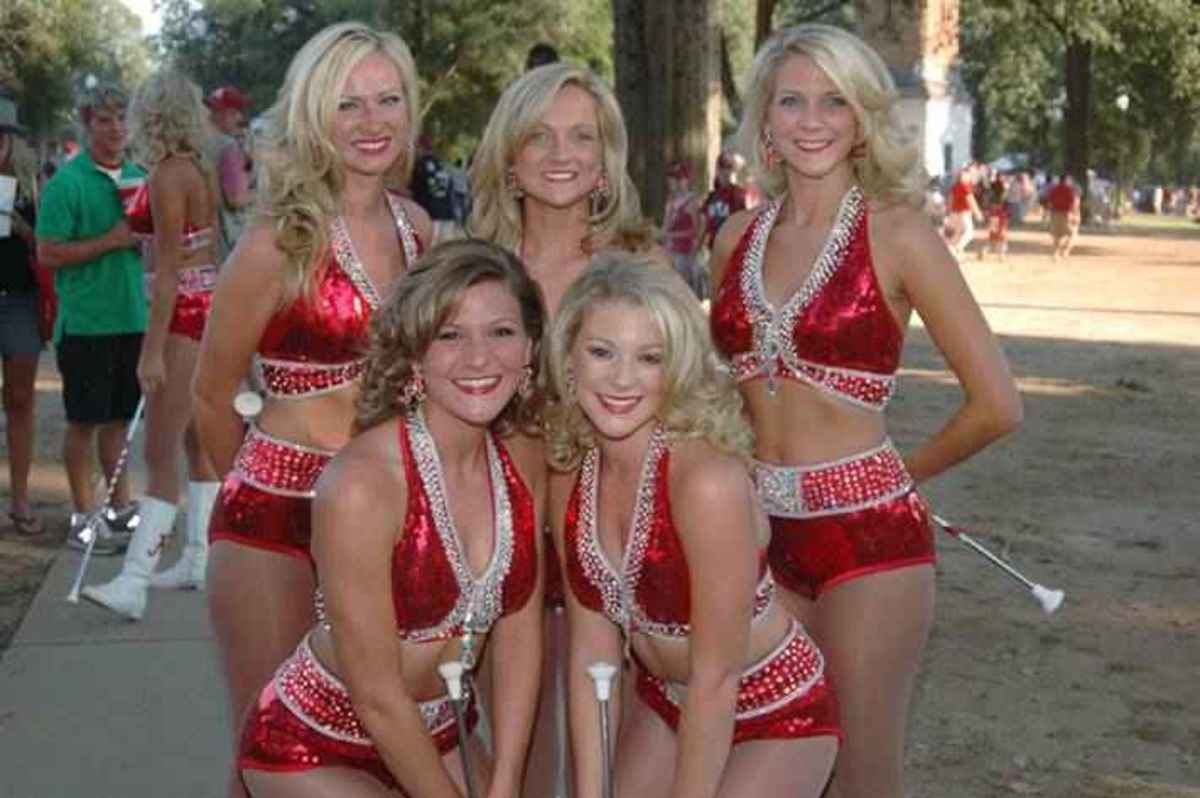These Alabama cheerleaders won't be at the BCS game, but a Big Ten team will.