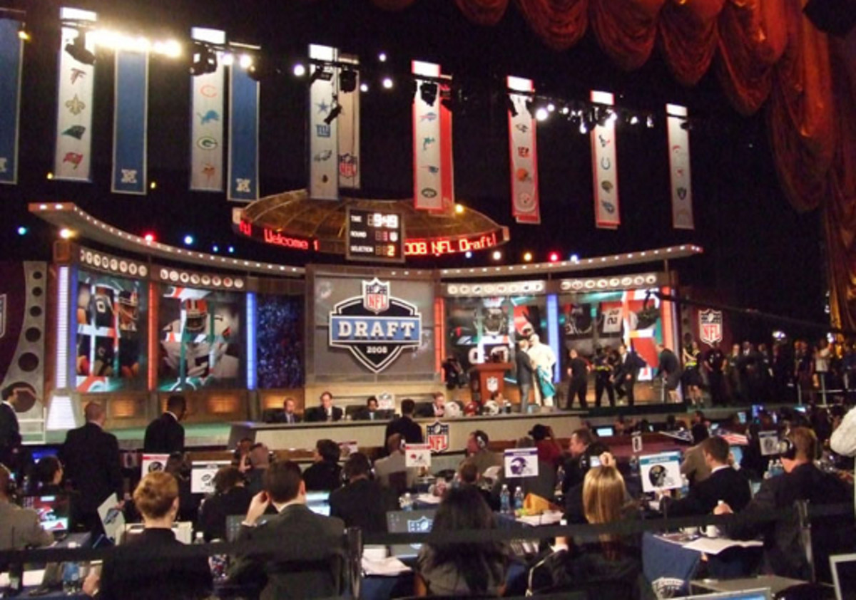nfl-draft-stage-view2