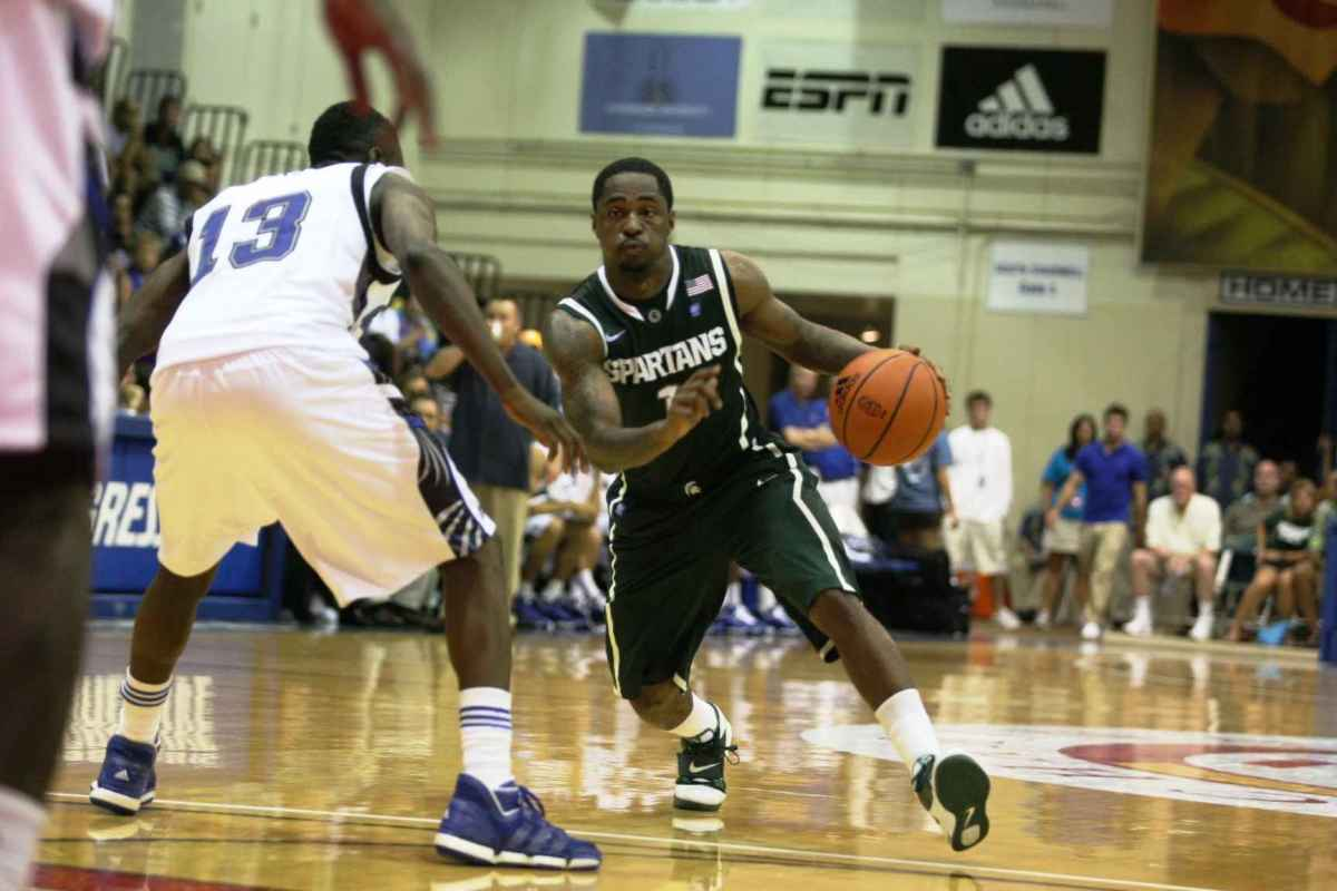 While many of the Spartans didn't play well, Kalin Lucas had a career night here in Hawaii.  Photo courtesy of Bill Marklevits.