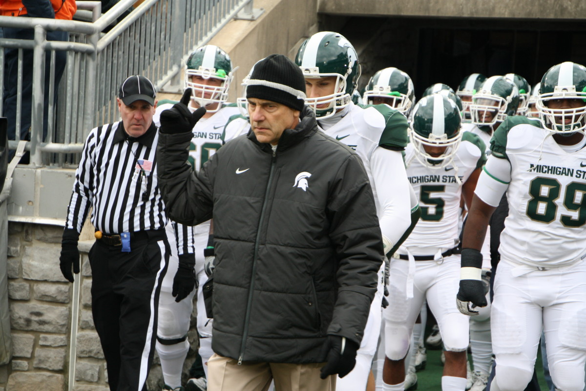 Mark Dantonio has his Spartans of one mind.  Photo courtesy of Mark Boomgaard.
