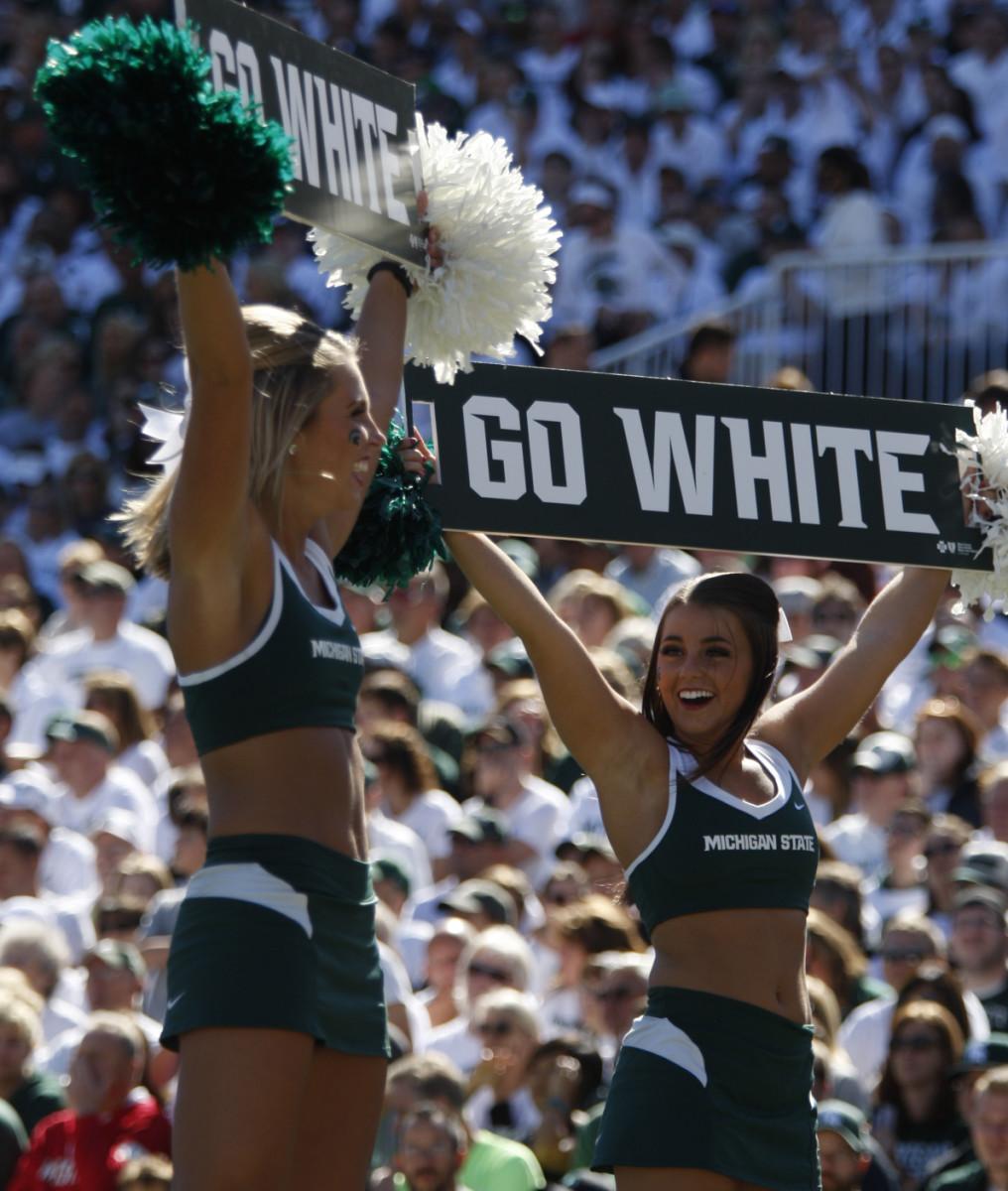 Spartan cheerleaders versus Wisconsin 2016.  Photo courtesy of Starr Portice.