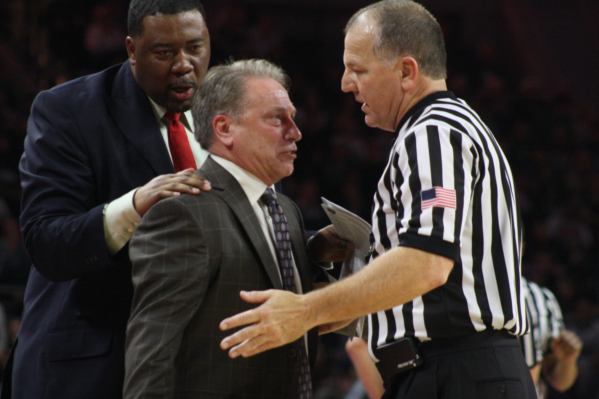 Izzo goes after ref vs Oakland at Palace 2015.  Photo courtesy of Mark Boomgaard.