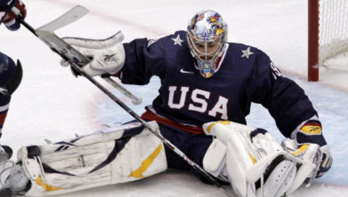 Ryan Miller is putting on a clinic for the world and they are impressed.  Photo courtesy of MSU SID.
