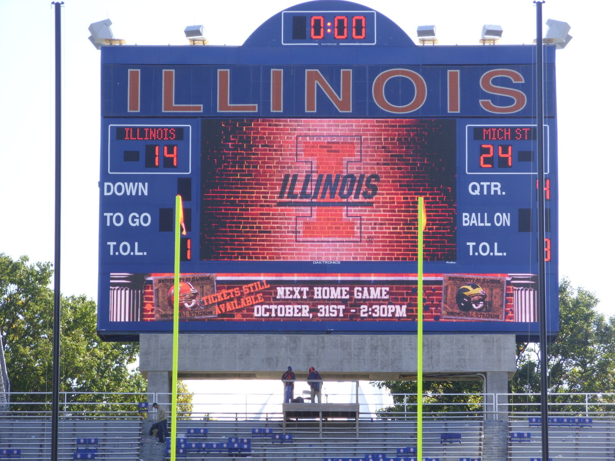 The Spartans took care of Illinois in 2009.  In the interest for being fair, so did everyone else.  Photo courtesy of Mark Boomgaard.